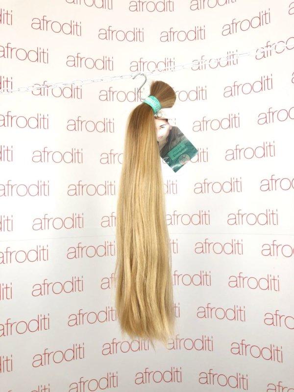 české přírodní blond vlasy