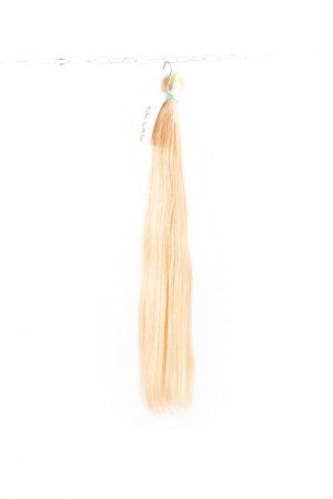 Světlé nebarvené vlasy na prodlužování vlasů.