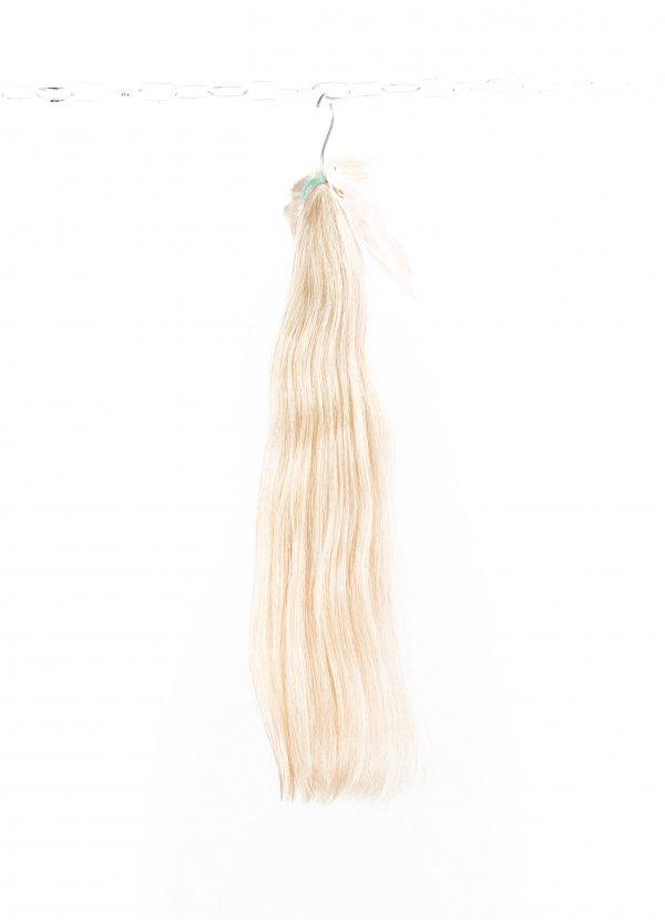 Světlé blond přírodní culíky na prodlužování.