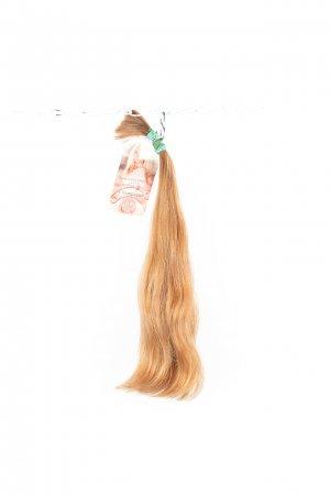 Světlé vlasy na prodlužování vlasů.