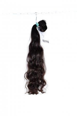 Přírodní vlnité vlasy tmavé