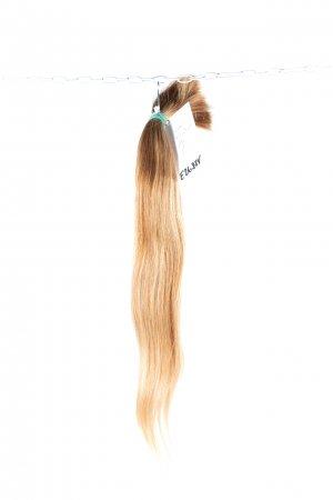Světlé jemné vlasy k prodloužení