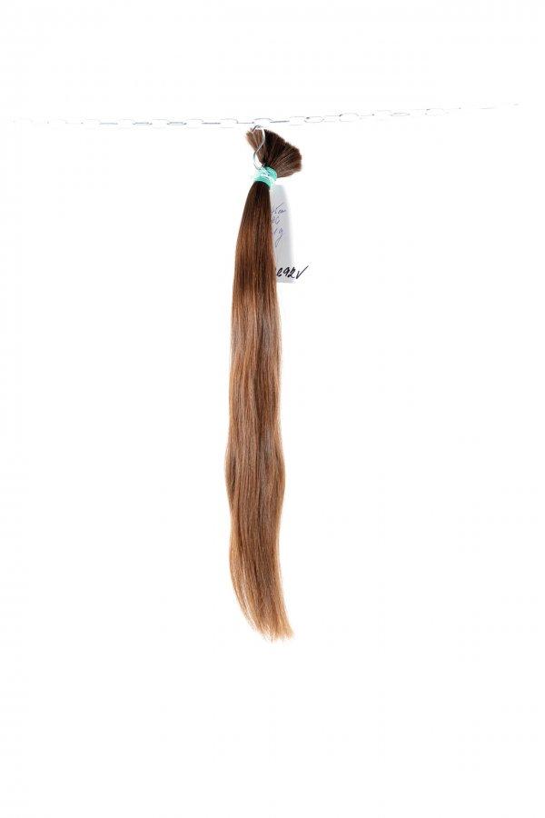 Středně hnědé české vlasy k prodloužení