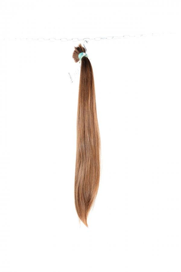 České světlé rovné vlasy