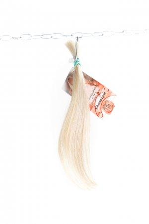 Rovné světlé nebarvené vlasy na zahuštění vlasů
