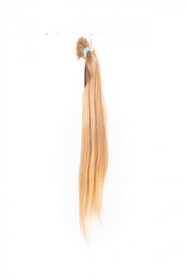 Přírodní rovné blond vlasy k prodlužování