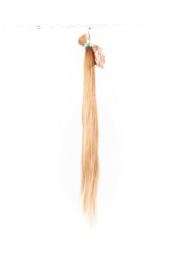 Jemné rovné blond vlasy k prodloužení