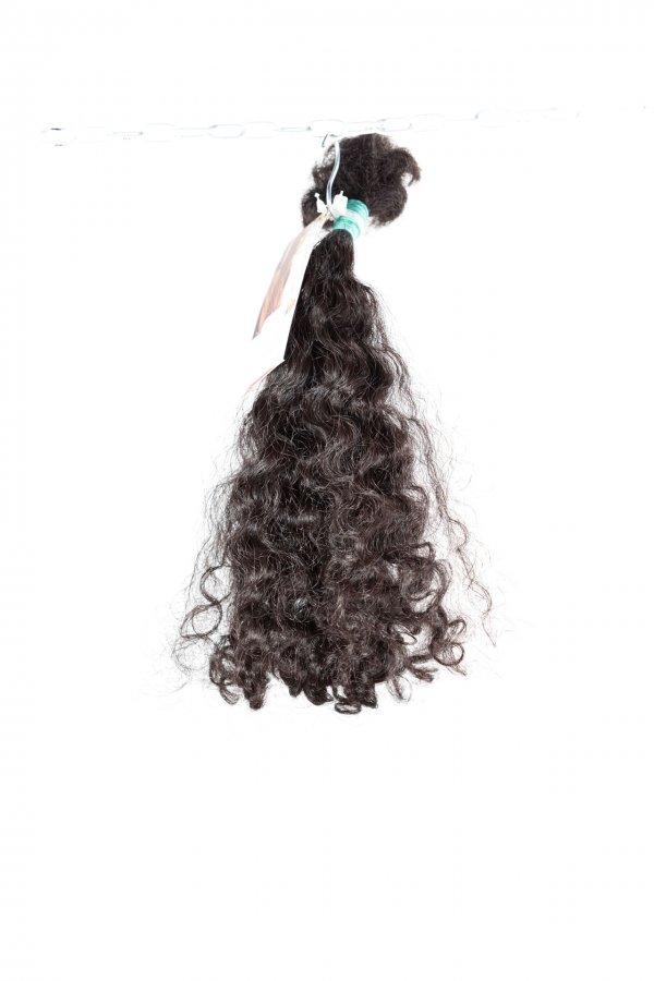 Kudrnaté vlasy tmavě hnědé na prodlužování vlasů.