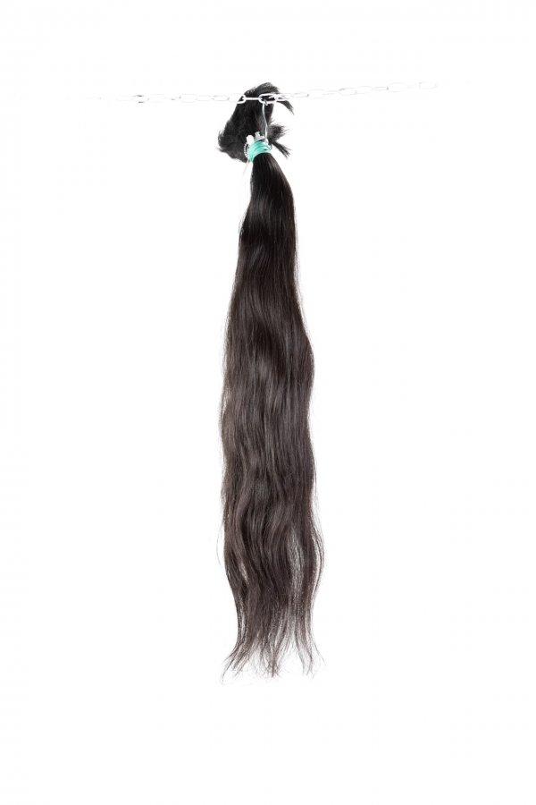 Vlnité vlasy na prodlužování vlasů v přírodním odstínu