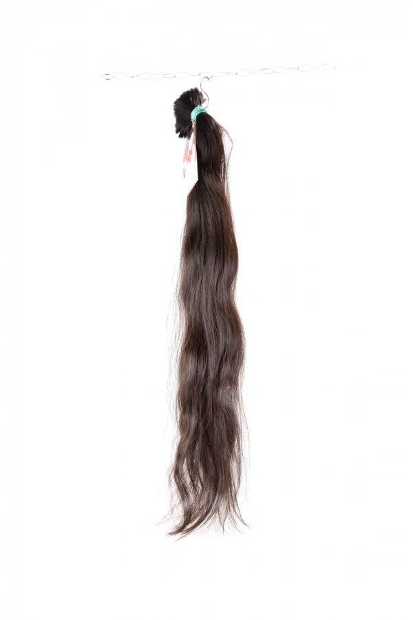 Lehká vlna v hnědém odstínu na prodloužení vlasů