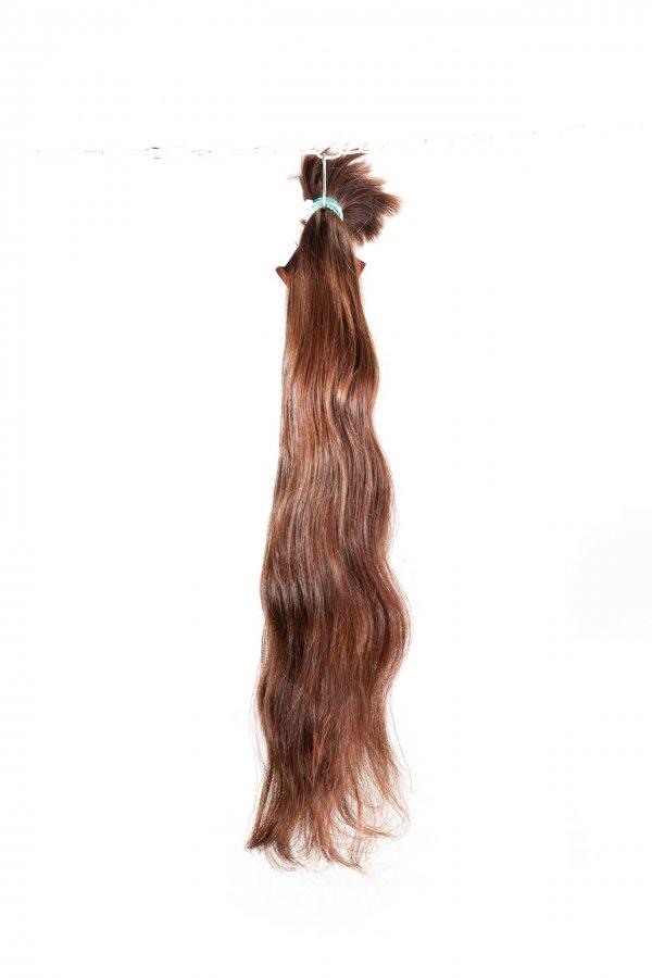 Přírodní hnědé vlasy k prodlužování vlasů.