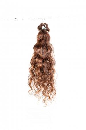 Kudrnatvlasy na prodloužení vlasů.