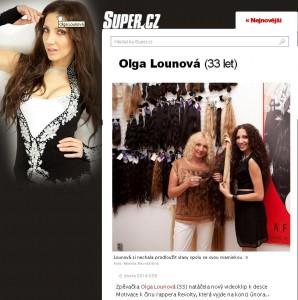 Olga Lounová prodlužování vlasů s maminkou
