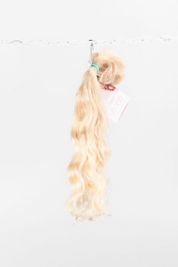 Vlnité panenské vlasy
