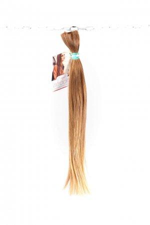 Světlé rovné vlasy evropského původu