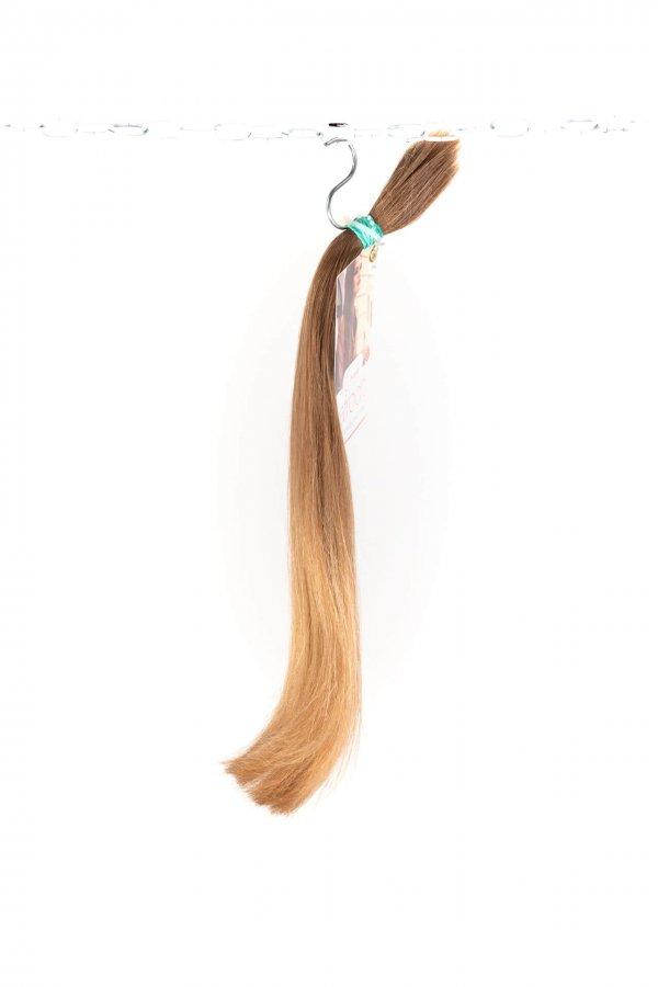 Světlé rovné vlasy k prodloužení