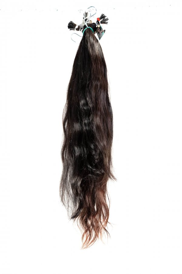 Tmavé vlasy na prodlužování
