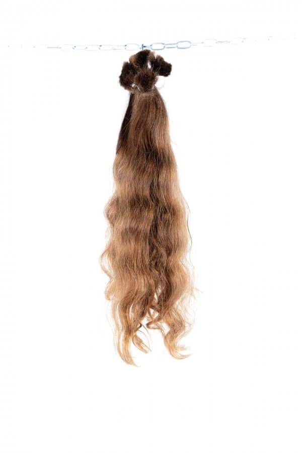 Kvalitní jemné vlasy.