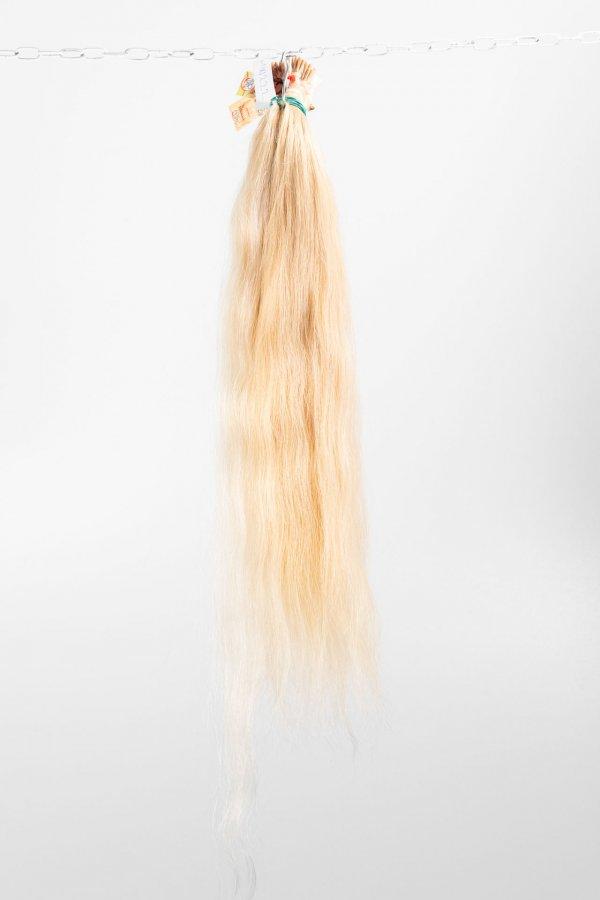 Světlé prameny k prodloužení vlasů
