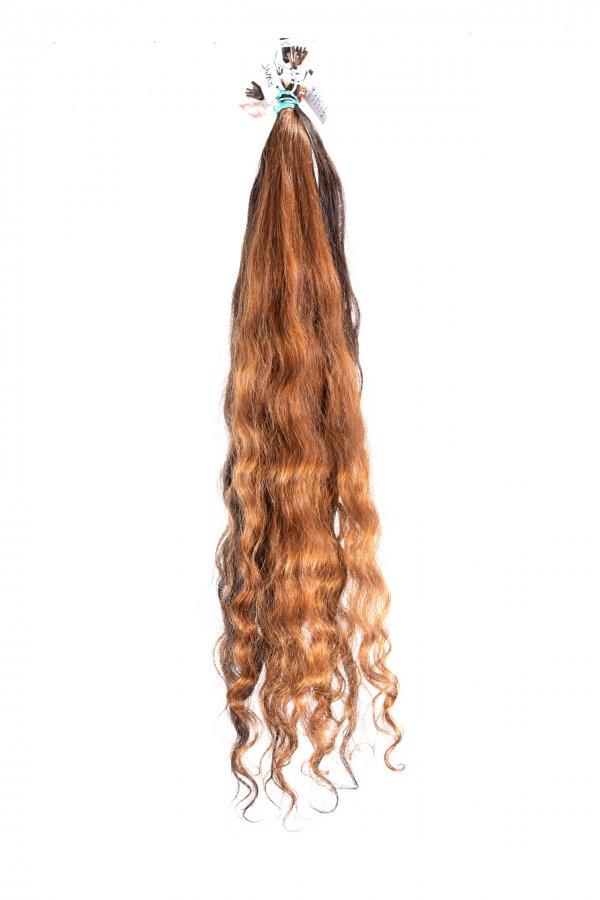 Vlnité řecké vlasy