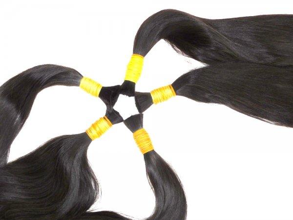 Kvalitní panenské vlasy v surových copech