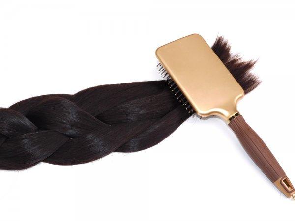 Přirozený tmavý odstín vlasů Agapé