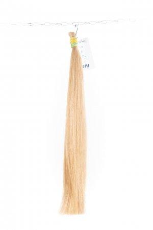 Dlouhé světlé culíky na prodlužování vlasů.