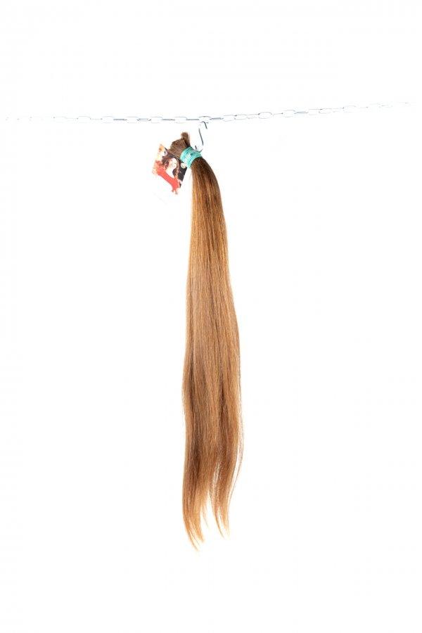 České rovné vlasy na prodlužování