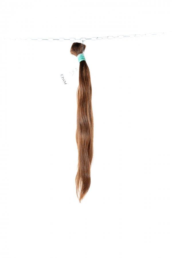 České vlasy lehce vlnité