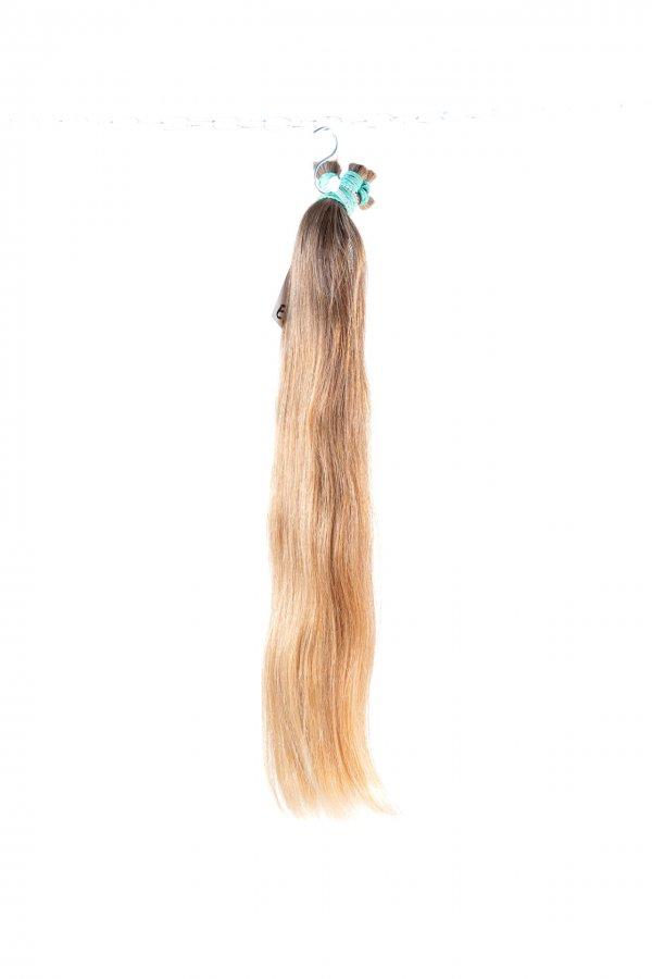 České vlasy s hustými konci