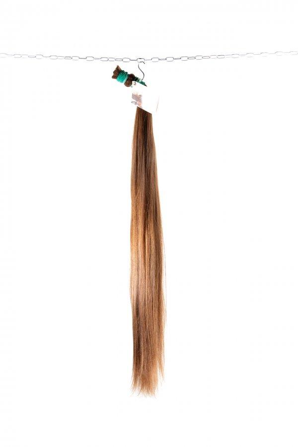 Rovné jemné vlasy k prodloužení