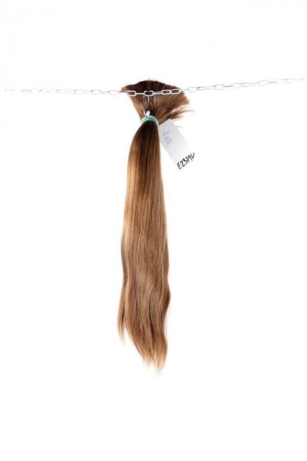 Světle hnědé české vlasy
