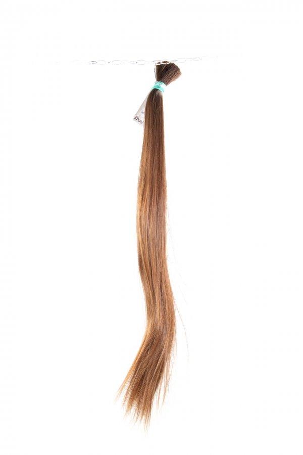 Světlé evropské vlasy na prodlužování.