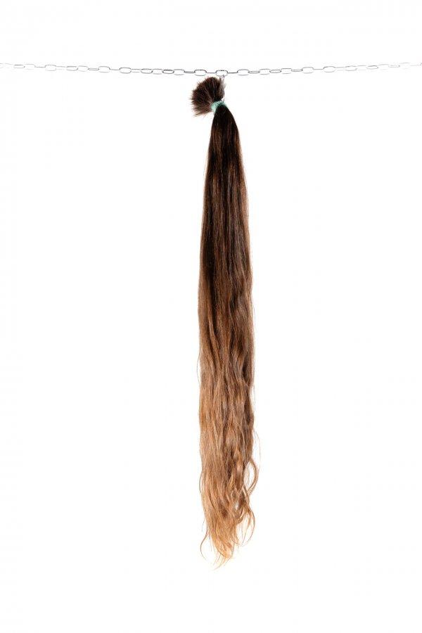 Dlouhé vlnité vlasy na prodlužování