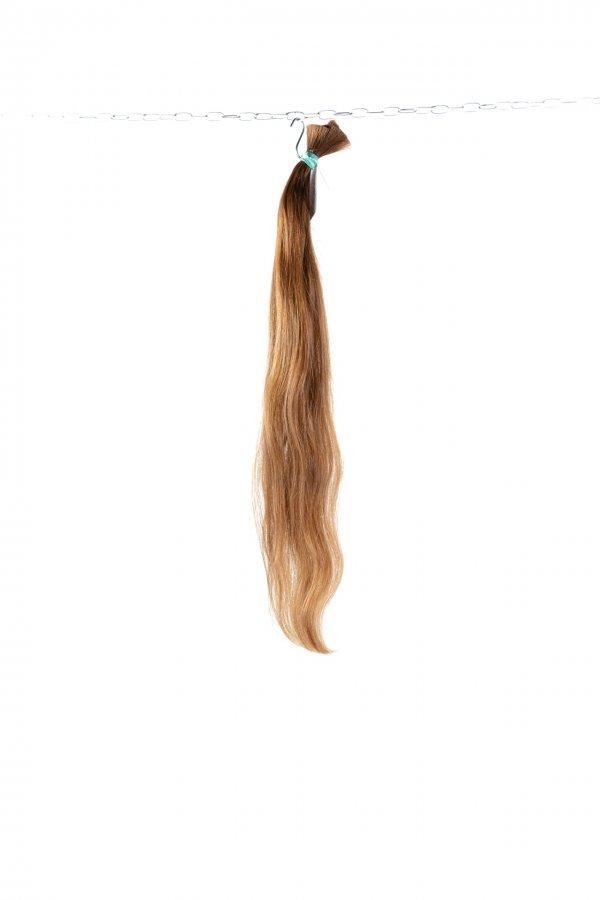 České lehce vlnité vlasy