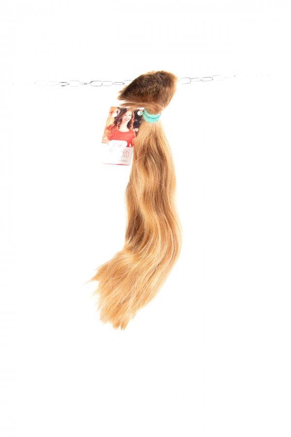 Světlé hnědé vlasy na prodlužování vlasů.
