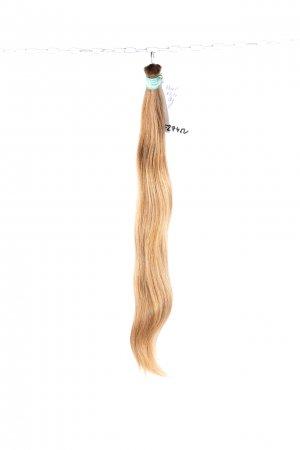 České lehké blond vlasy