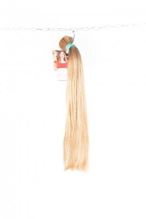 České blond vlasy s hustými konci