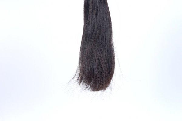 Vlasy na prodloužení v přírodní barvě