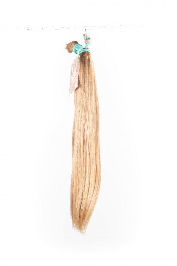 Dětské blond vlasy na prodlužování