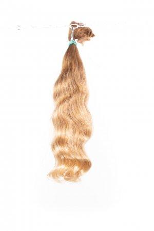 Přírodní vlnité blond vlasy