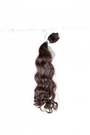 Pevná vlna s hnědým odstínem k prodlužování vlasů.