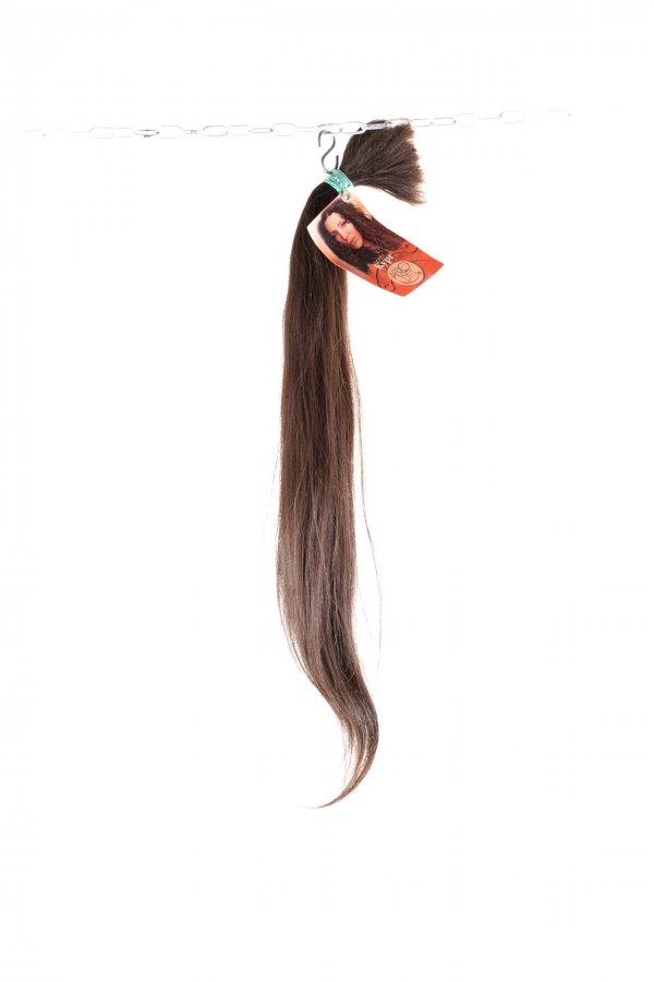 Přírodní hnědé vlasy k prodloužení.