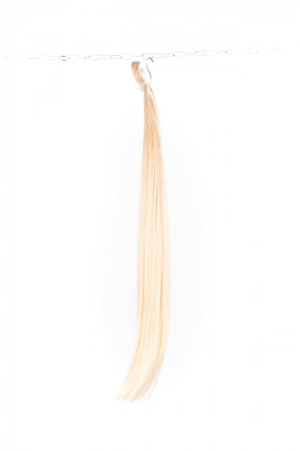 Odbarvené vlasy k prodlužování
