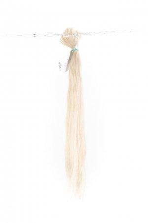 Platinové vlasy k prodloužení.