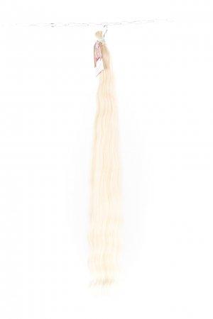 Světlé luxusní vlasy k prodloužení.