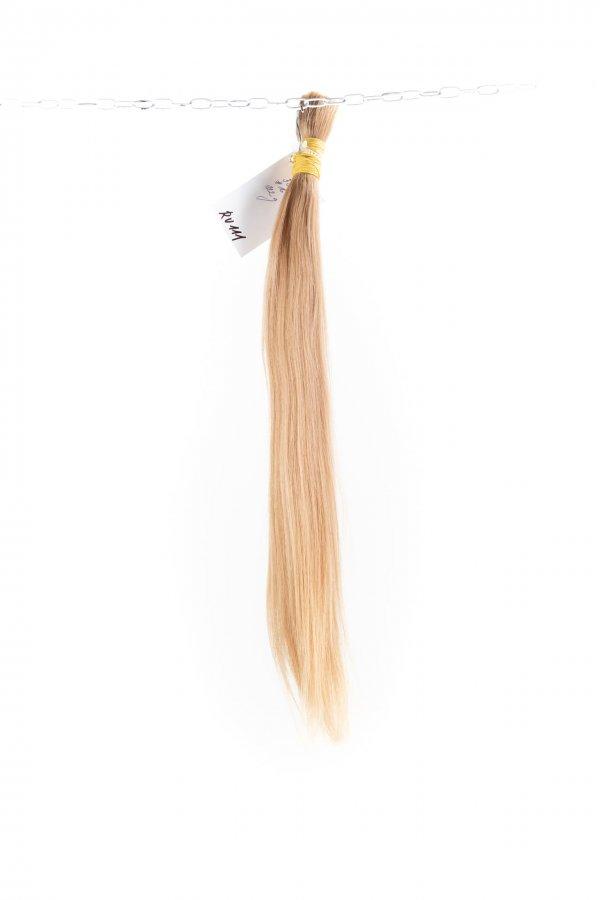 Slovanské plavé vlasy k prodloužení.