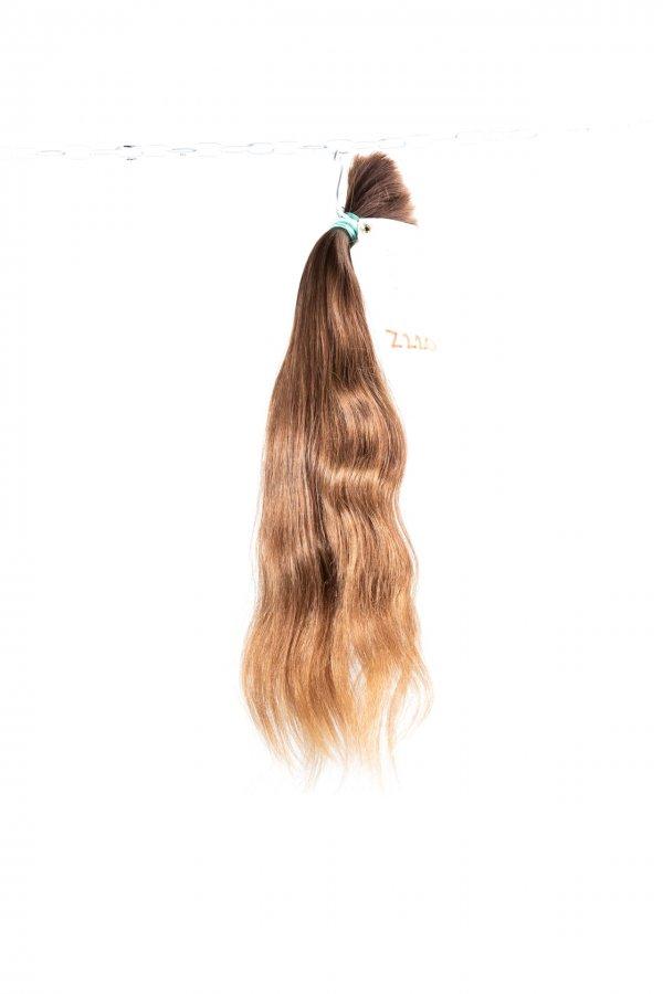 Světle hnědé vlasy k prodlužování vlasů.