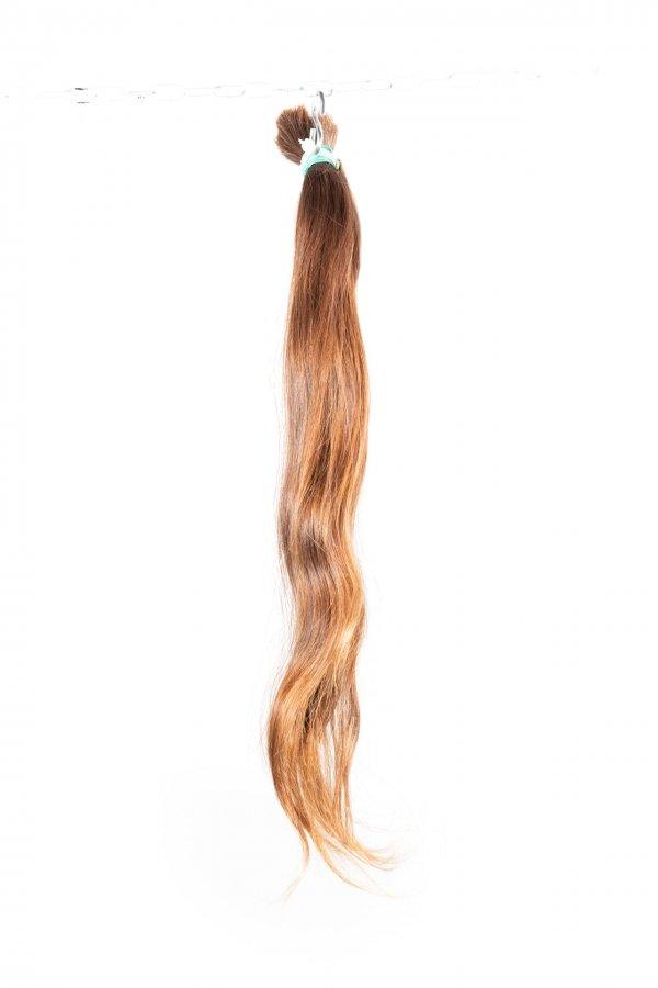 Dlouhé vlasy kategorie Zohar na prodloužení.