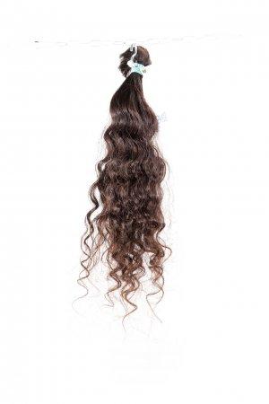 Kudrnaté vlasy na prodlužování vlasů.